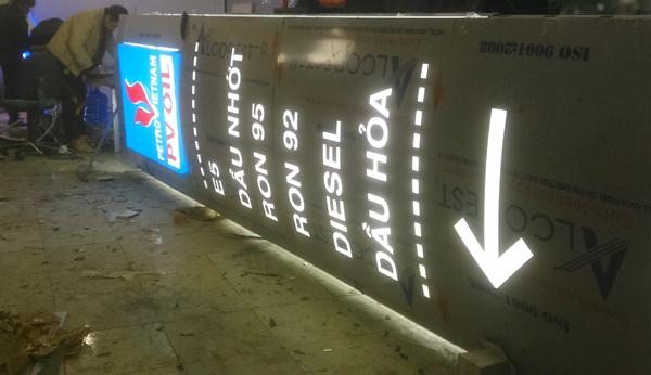 hút nổi đèn led, chữ quảng cáo, chữ mica