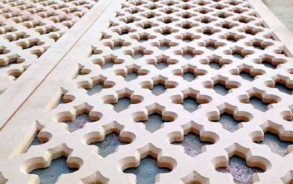 Cắt khắc CNC hoa văn trên gỗ