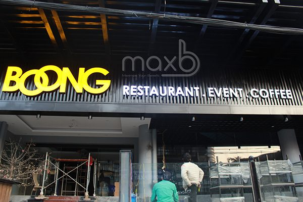 Làm biển quảng cáo nhà hàng Boong