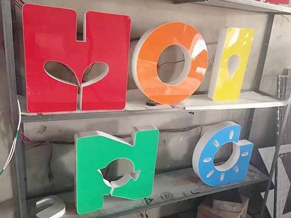 Logo mica định hình thông minh, không giới hạn màu sắc