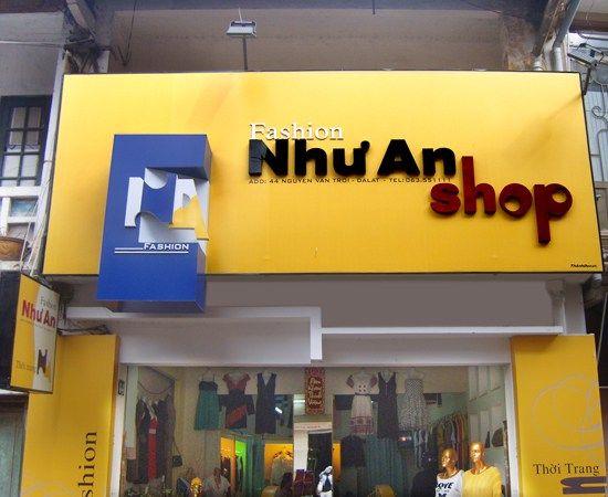 Làm biển quảng cáo cửa hàng thời trang