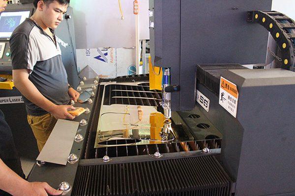 Tại sao nên cắt laser kim loại tại Maxb Thăng Long?